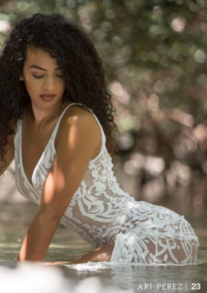 Ari Perez Micromag – Dailee Jones