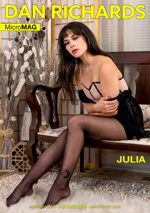 Dan Richards Micromag – Julia